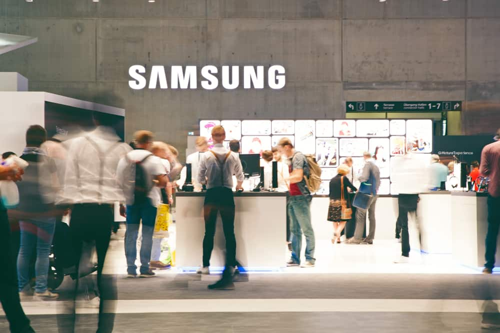 Technology Management Image: Samsung Looks To Blockchain To Improve Existing Global
